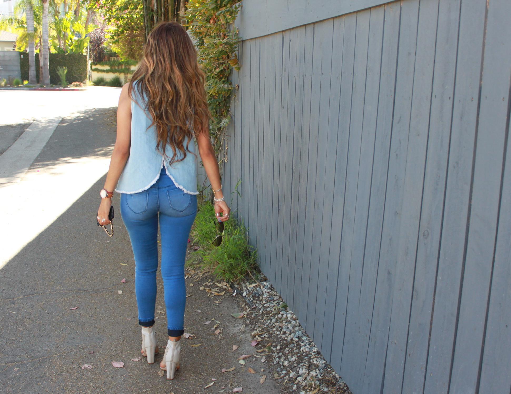 11 blue pants_behind