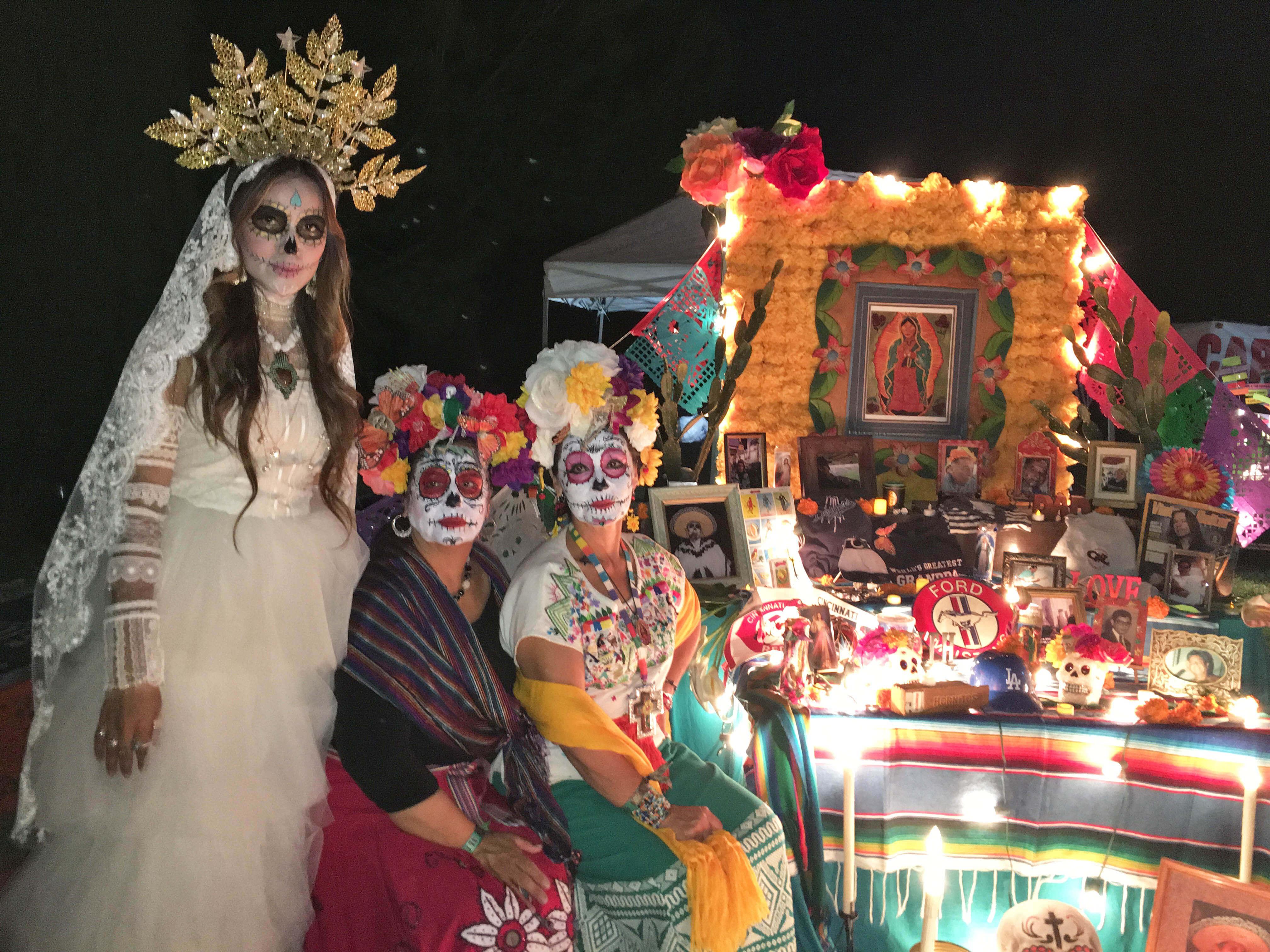 altar con las senoras