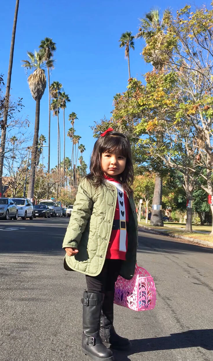 Santa-Seli_street-cute
