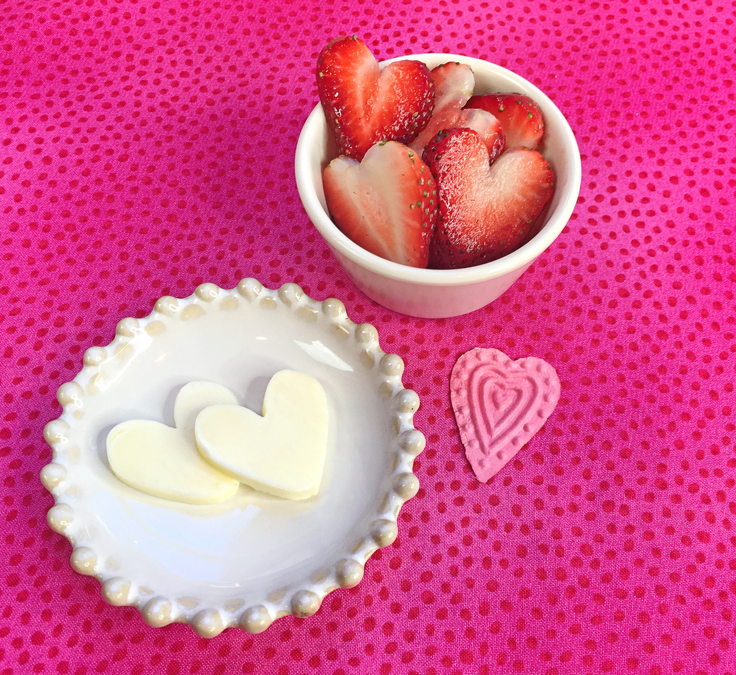 heart-lace-pancakes_butter-strawberries-736