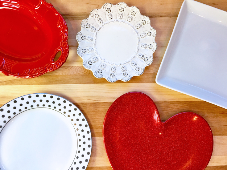 heart-lace-pancakes_dishware