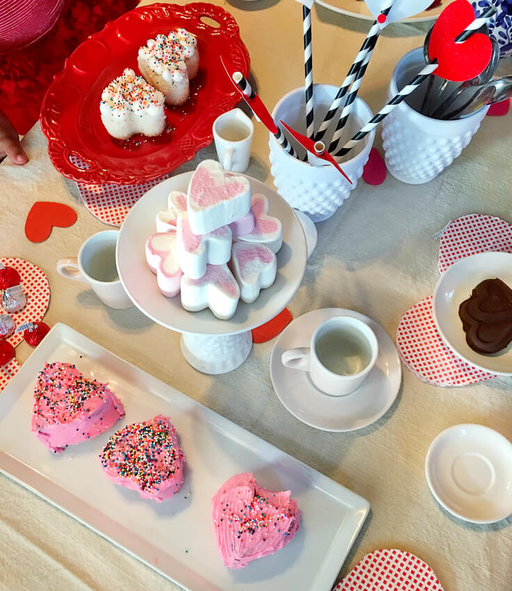 SweetHeart-Tea-party_yummy-tea_736