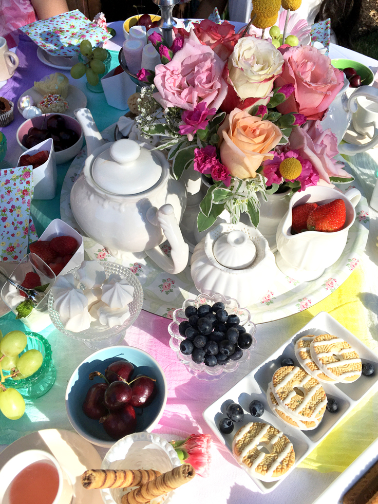summertea736_yummy-table
