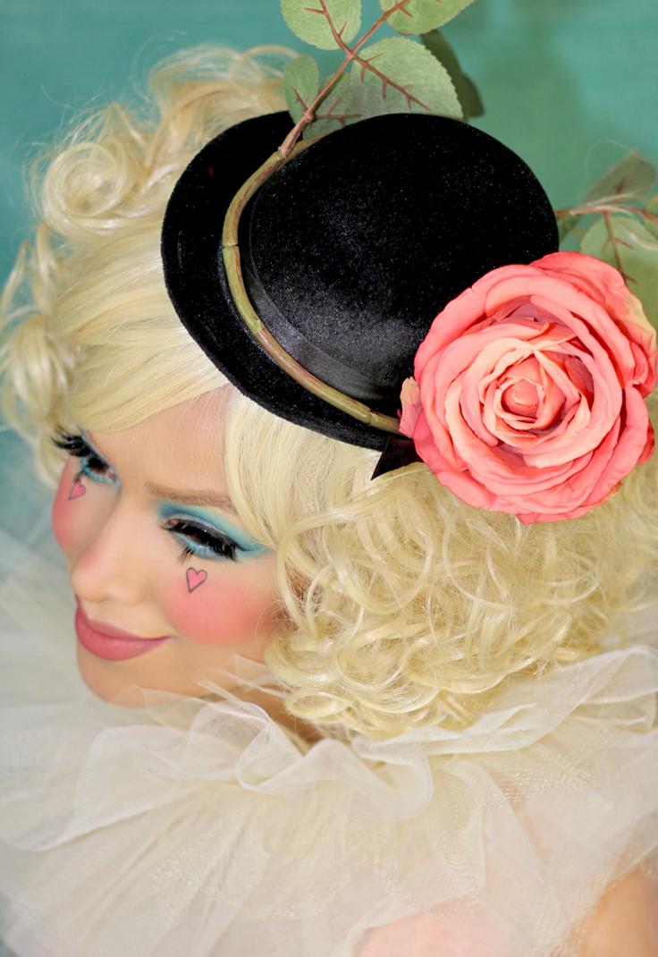 sadclown_lily_rose-closeup_736