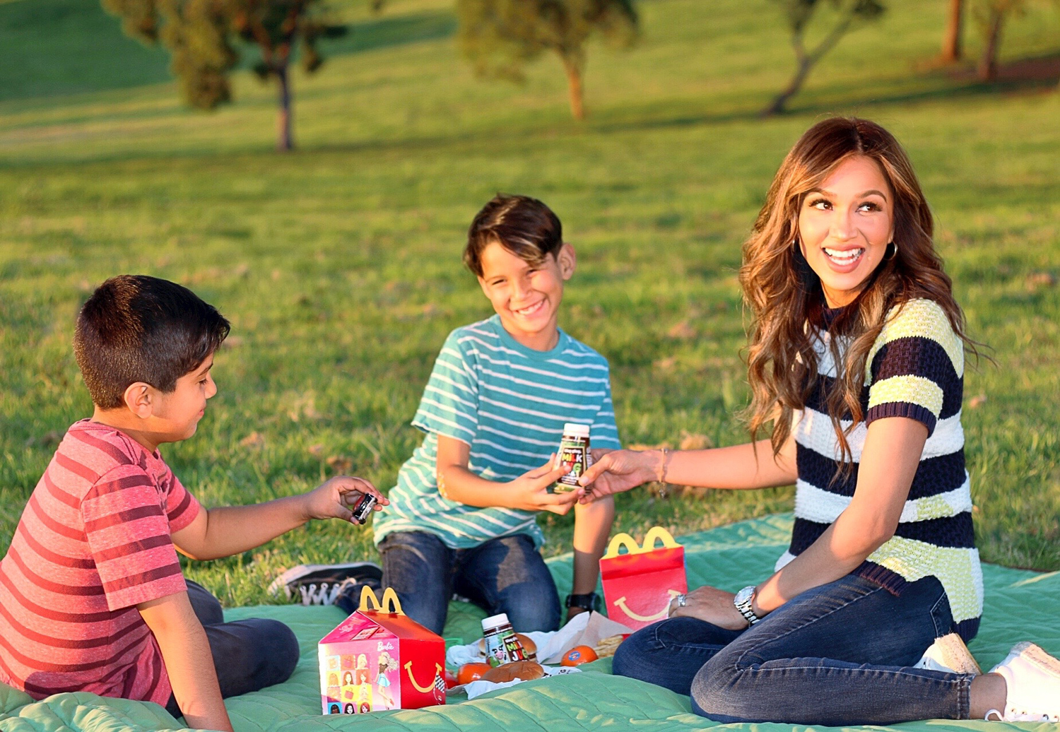 Happy-Meal_family-time-smiles_REV-1